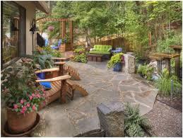 small sloped backyard ideas zandalus net