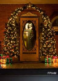 Tasteful Outdoor Christmas Decorations - outdoor christmas decorating ideas for an amazing porch