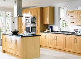 cuisine bois photo cuisine en bois excellent cuisine en bois massif en plaqu