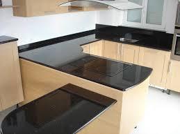 cuisine avec plan de travail en granit aménagements intérieur naturelle cuisine salle de bain
