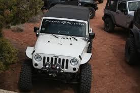 jeep black emblem paint the jeep emblem jkowners com jeep wrangler jk forum