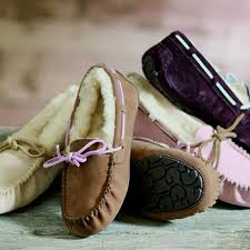ugg moccasins sale mens 103 best moccasins images on moccasins shoes and