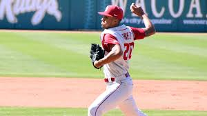 Ou Career Center Perez Leads Ou To Shutout Win In Series Clincher The Official