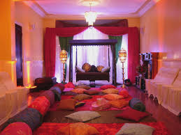 moroccan canopy bed interior design get the look luxury blue