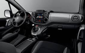 peugeot car interior peugeot u201c atnaujino savo populiariausią furgoną partner auto vici