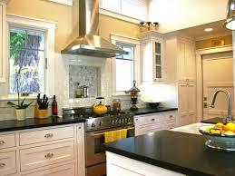 Kitchen Windows Design by 60 Best Traditional Kitchen Design Images On Pinterest Dream