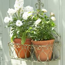 Shabby Chic Flower Pots by Vintage Garden Ideas And Dã Cor Inspiration Gardens Shabby Chic