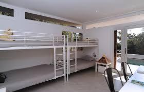 chambre a deux lits deux lits superposés dans une chambre d enfant frédérique legon pyra