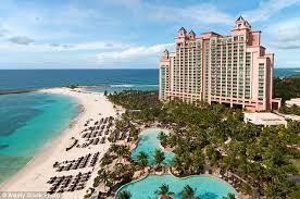 nurses arrive at the bahamas u0027 atlantis paradise island to find