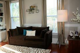 colors that go with brown what color curtains go with dark brown sofas ezhandui com
