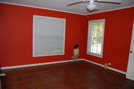 look at pics and help suggest wall color hardwood floors