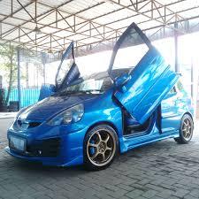 mobil honda jazz modofikasi mobil honda jazz dengan velg advan size 17 inch