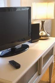 How To Clean Your Desk How To Clean A Flat Screen Tv And Remote Control Best Way To