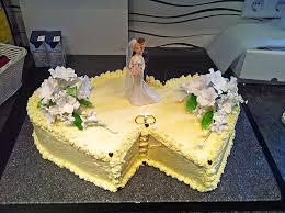 backform hochzeitstorte hochzeitstorte biskuit buttercreme torte rezept mit bild
