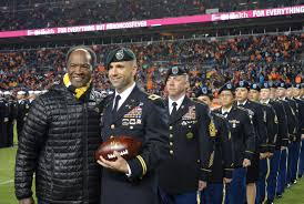 thanksgiving halftime show salute to service halftime show honors service to nation u2013 fort