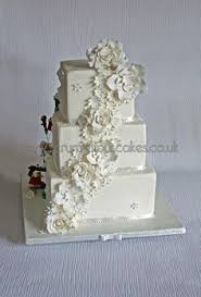 wedding cake 636 buckle u0026 funky topper by scrumptious cakes