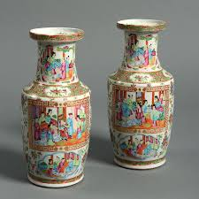 canton porcelain a pair of 19th century qing dynasty canton porcelain vases timothy