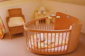 round baby cribs furniture  things to look for  newborn baby zone with the price of the round cribs furniture for babies from newbornbabyzonecom