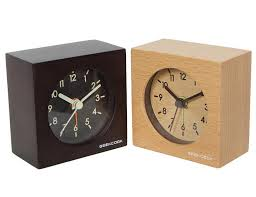 horloge de bureau design acheter horloges en bois massif mute intelligente horloge d