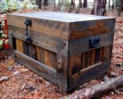 best 25 pallet trunk ideas on pinterest pallet toy boxes