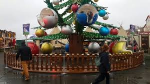 hyde park events tree decorating