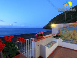 holiday house on the beach of canneto lipari canneto di lipari