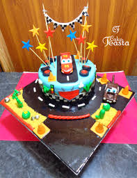 lightning mcqueen cakes lightning mcqueen birthday cake customized cakes in lahore
