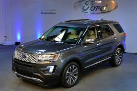 Ford Explorer 3 Rows - 2016 ford explorer first look motor trend