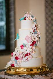 beautiful wedding cakes types of beautiful wedding cakes showing their luxury and