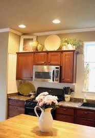 kitchen cabinets decorating ideas 62 best decorating above kitchen cabinets images on