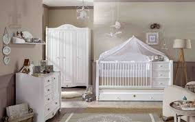 décorer la chambre de bébé décorer une chambre collection et maison decor decorating ideas