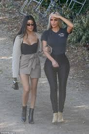 kim and kourtney kardashian go tree shopping for kuwtk daily