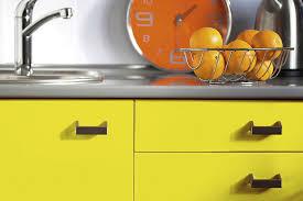 meuble cuisine jaune meuble cuisine couleur vanille vous avez un projet nous rpondons