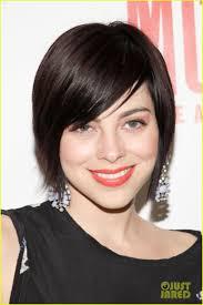 julianna margulies new hair cut zachary quinto julianna margulies mcc s miscast 2013 photo