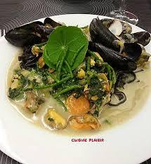cuisiner salicorne recette de de retour de la mer moules coques aux pâtes noires