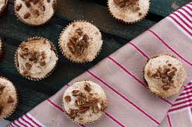 karla acosta vegan carrot cake cupcakes