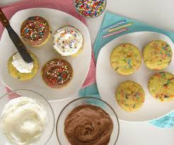 video buttercream frosting recipe in over 2 dozen flavors