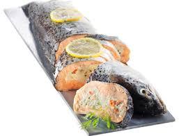 cuisiner saumon congelé saumon surgelé entier farci prétranché 1 55 kg livré chez vous par