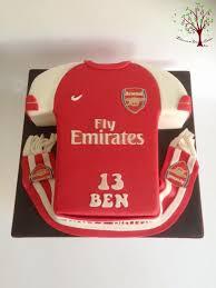 arsenal shirt cake by blossom dream cakes angela morris
