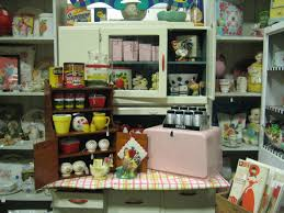 vintage kitchen collectibles c dianne zweig kitsch n stuff add some to your pink and
