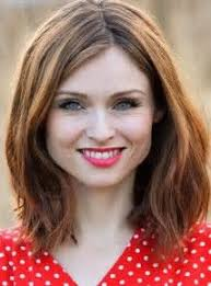 shoulder length hair for women with pear shaped faces kate walsh s changing looks face shapes
