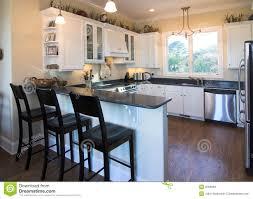 cuisine moderne en l cuisine moderne avec bar en l meuble bois ilot kuestermgmt co