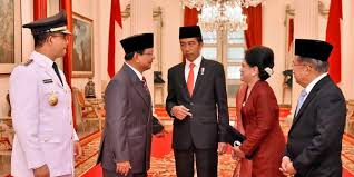 profil jokowi dan jk jk beberkan guyonan antara jokowi dan prabowo di istana merdeka com