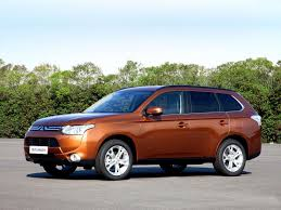 mitsubishi crossover 2014 2013 mitsubishi outlander 3 generation crossover 5d images specs