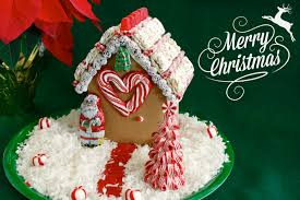 easy food craft decorating with a gingerbread house