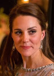 kate middleton earrings kate middleton s jewellery earnings necklaces rings worn by kate
