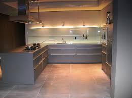 cuisine en metal photo le guide de la cuisine mur de lumière