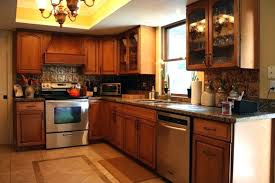 remove grease from kitchen cabinets how to remove grease from kitchen cabinets clean kitchen cabinets