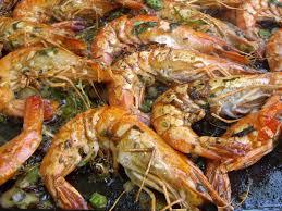 comment cuisiner les crevettes congel馥s recette crevettes à la plancha