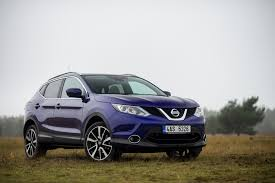 nissan qashqai 2015 black nissan qashqai 1 6 dci 4x4 tekna test project automotive